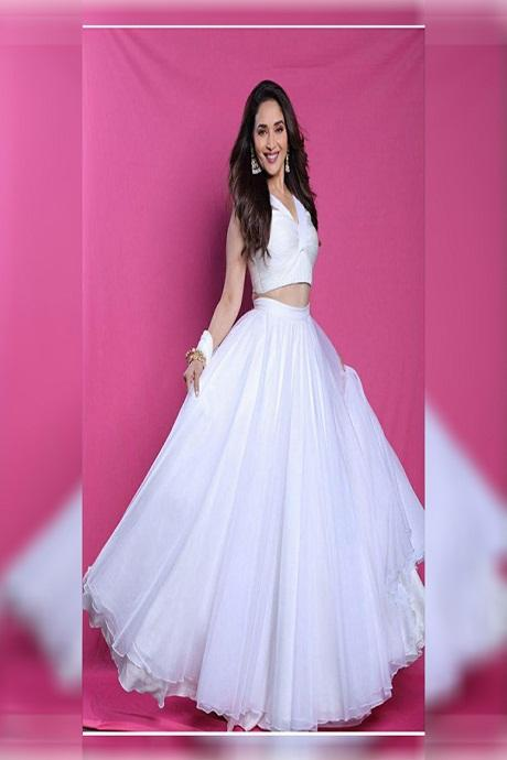 White Embroidered Attractive Party Wear Lehenga Choli