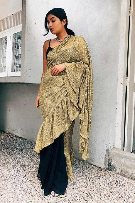 Chiku Color Two Tone Effective Ruffle Saree