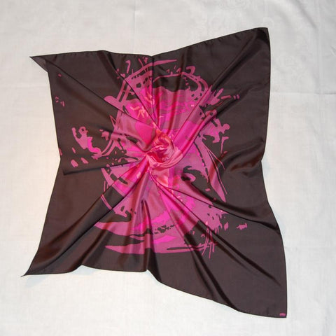 Pure silk scarf. 9090