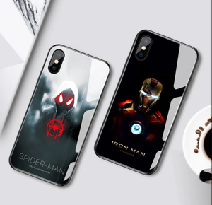 Capa para Iphone - do 6 ao 11 - Marvel de LED