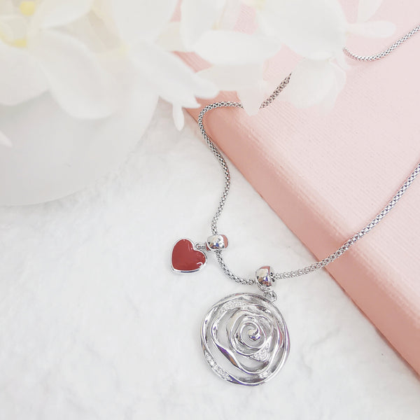 Garden Rose with Red Enamel Heart & Amour 4 Roses