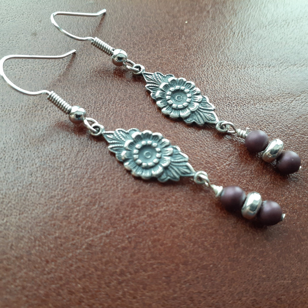 Floral pewter Earring, Purple Burgandy pearls. Flower, Burgandy drop earrings. Nice & Jewerlry