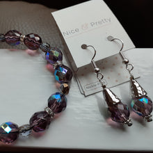 Load image into Gallery viewer, plum  glass bead bracelet. Nice and Pretty Jewelry