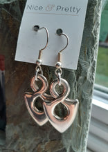 Load image into Gallery viewer, silver infinity earrings. nice and pretty jewelry