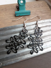 Load image into Gallery viewer, Black Lace Flower Earrings