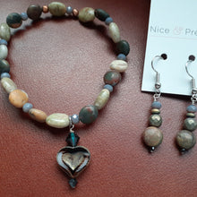 Load image into Gallery viewer, small stone bracelet. Earthtone bracelet. agate stone bead bracelet. nice and pretty jewelry