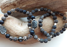 Load image into Gallery viewer, dzi gray and black tibetan agate bracelet. nice and pretty jewelry