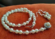 Load image into Gallery viewer, white pearl and crystal necklace set. nice and pretty jewelry