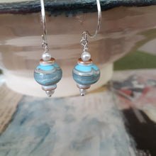Load image into Gallery viewer, blue and sand colored handmade bead earrings. nice and pretty jewelry