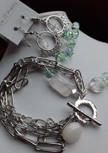 Load image into Gallery viewer, paper clip chain bracelet. nice and pretty jewelry