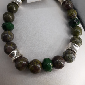 Green agate bead bracelet. Nice and Pretty Jewelry.