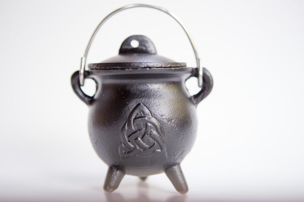 "TRIQUETRA Cast Iron Cauldron with Lid 2.5""D 4.25""H"