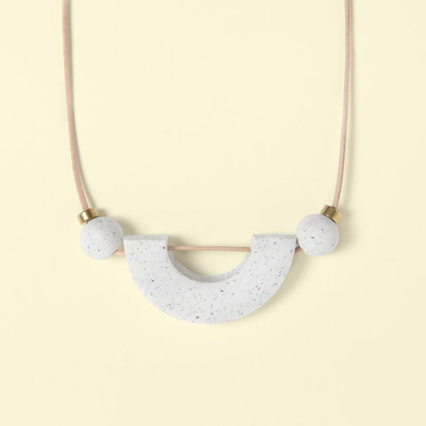 Necklace Materia No. 2 White Arch