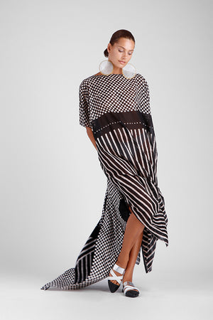 Long oversized kaftan with square and stripe batik design