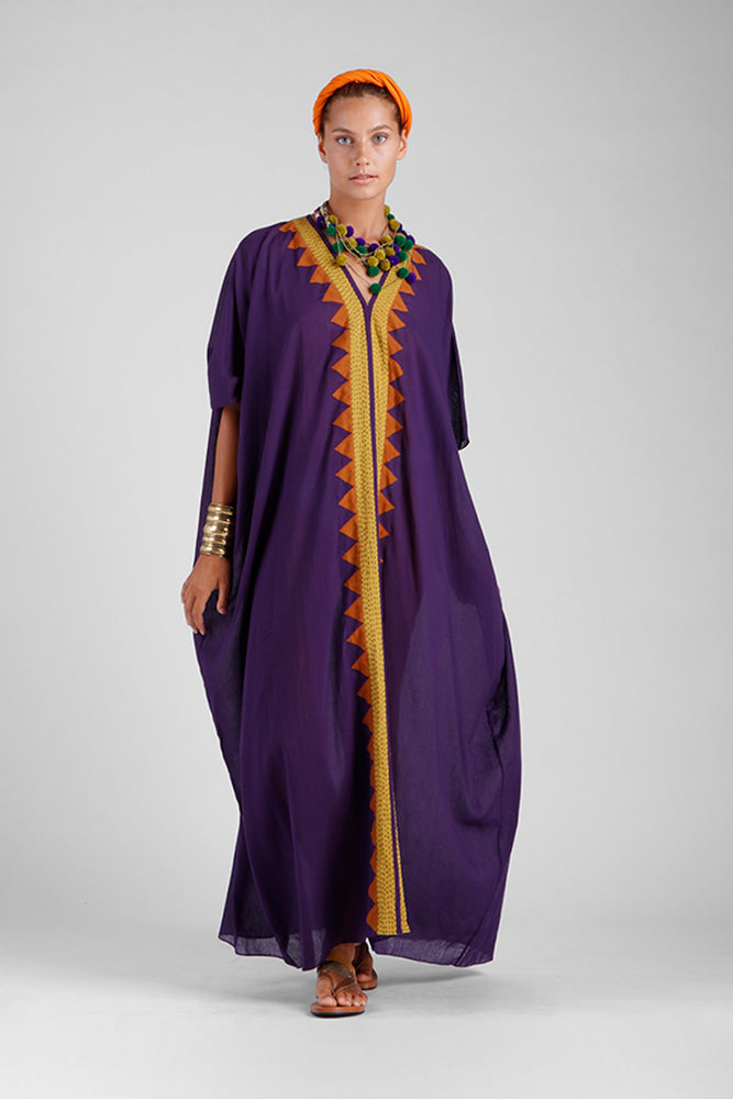 Long oversized kaftan with a central triangle appliqué border