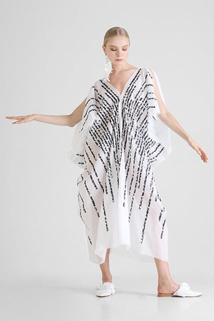 Load image into Gallery viewer, White Kaftan with contrast hand cut stripe appliqué