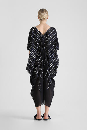 Load image into Gallery viewer, Hira - Kaftan with hand cut contrast stripe appliqué
