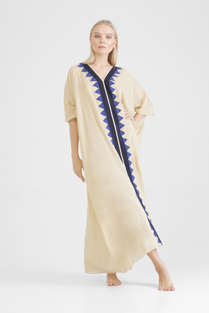 Farida - Long kaftan with contrast stitching and triangle appliqué