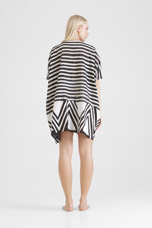 Ayleen - Oversized tunic with graphic appliqué