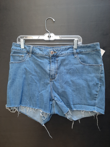 Lee  Pipes & Riveted Shorts Size 18/20