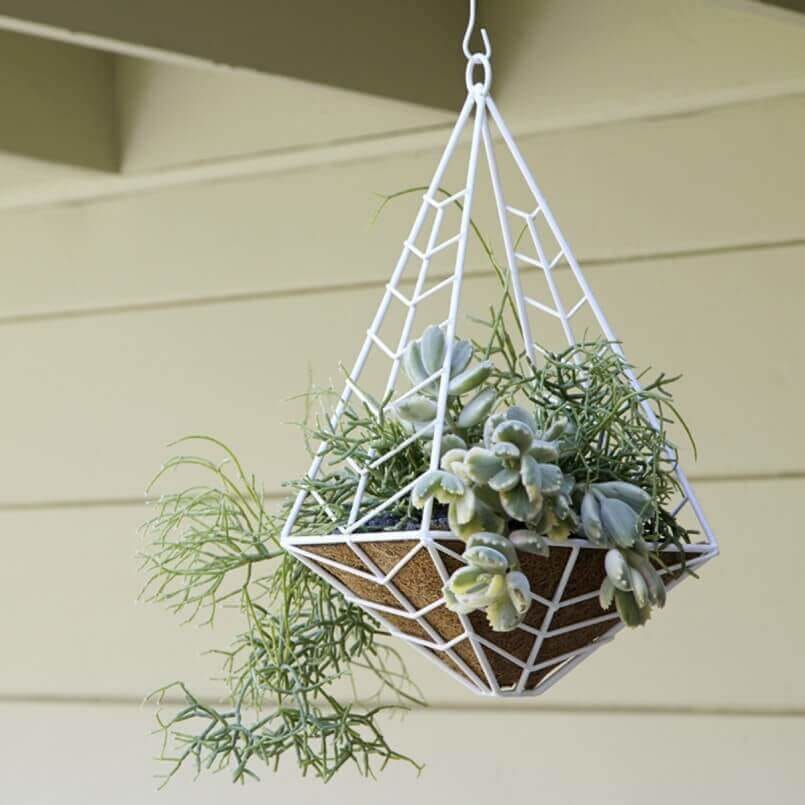 45 Hanging Planter Ideas for Outdoor Spaces This Summer