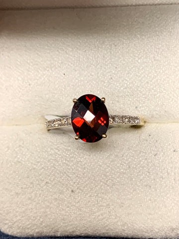 Garnet/Diamond Ring