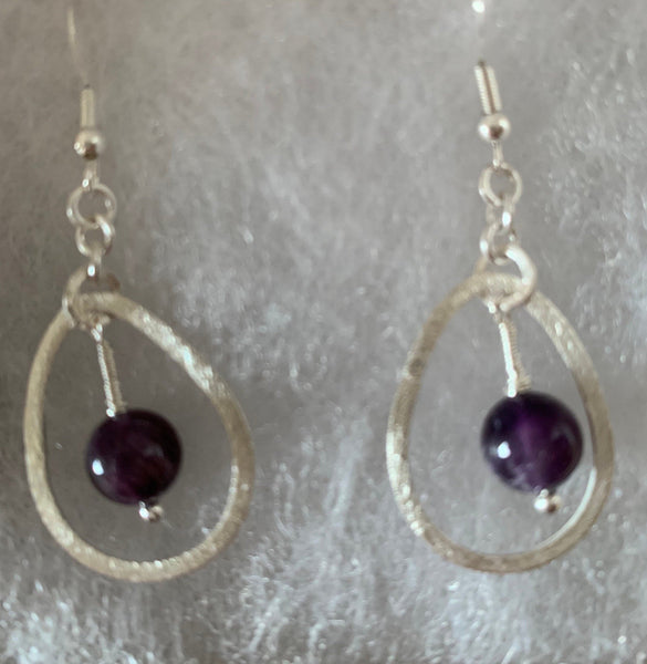 Teardrop dangled earings