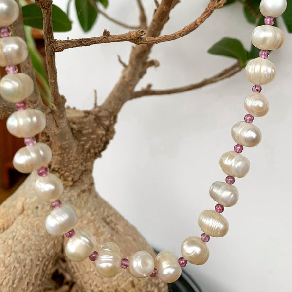 Fresh Water Pearl with Amethyst Strand