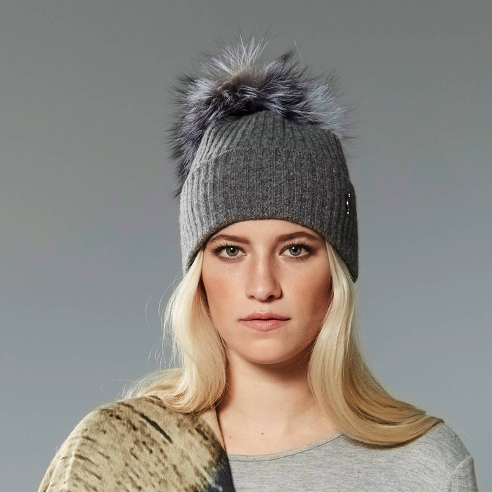 Recycled cashmere beanie with reused fur pom