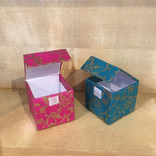 Load image into Gallery viewer, Traidcraft Hand Made Paper Gift Box - Floral Design