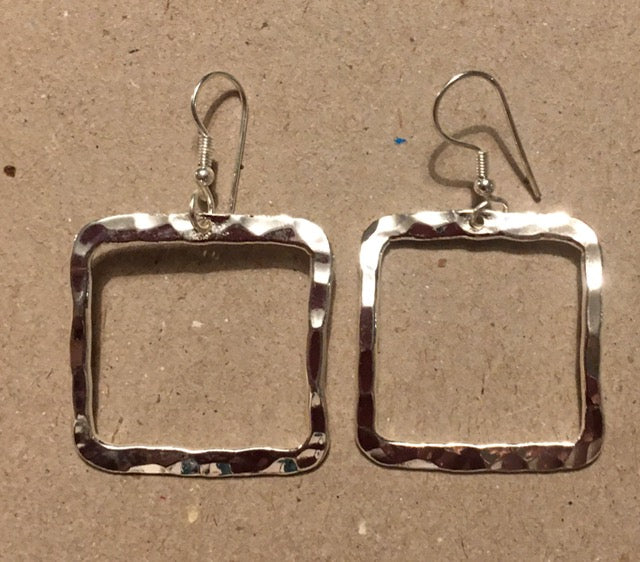 Just Trade SP Hammered Single Open Square Earrings