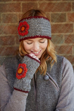 Load image into Gallery viewer, Pachamama Knitwear Orvieto Wristwarmers