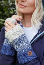 Load image into Gallery viewer, Pachamama Knitwear Prague Wristwarmers