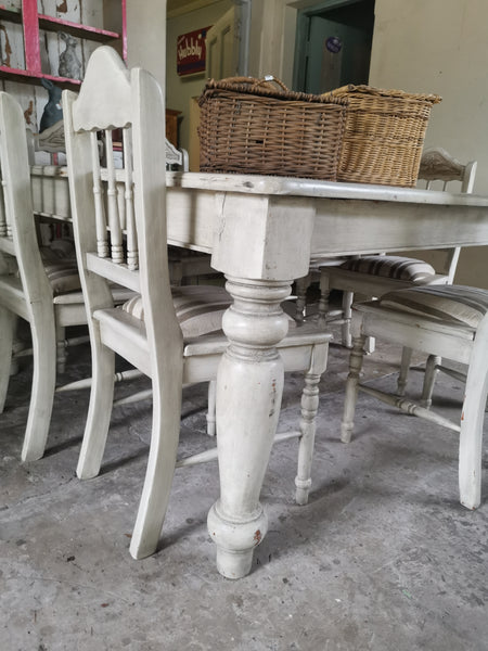 table & 7 chairs