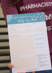 Daily Joy Check-in Notepad based on the Clarify Simplify Align Method and KonMari Method for ideal lifestyle check-in, daily mantra, daily affirmations, daily 3 goals, and journal prompts. FREE instruction download to use. How to bring joy into your day EVERYDAY using Clarify Simplify Align method and KonMari Method.