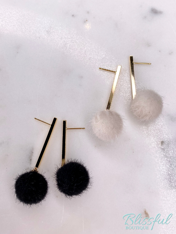 Black & White Pompom earrings