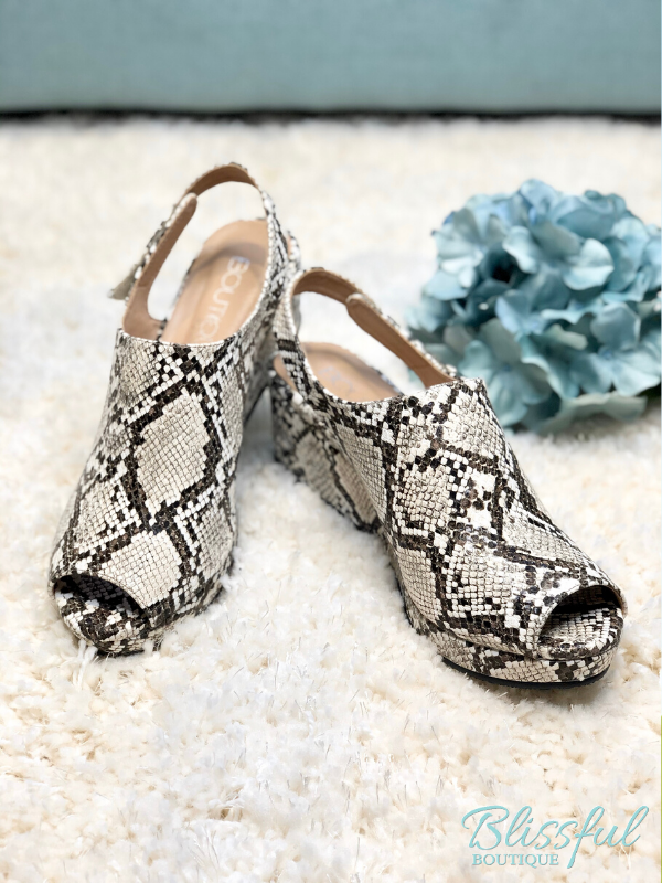 White/Black Snake Peep Platform Wedge