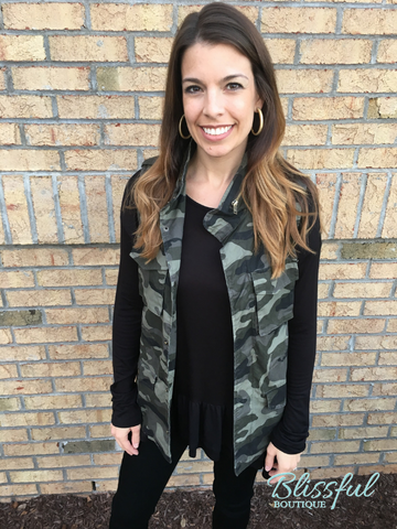 Camo Zip-up Vest w/ Pockets