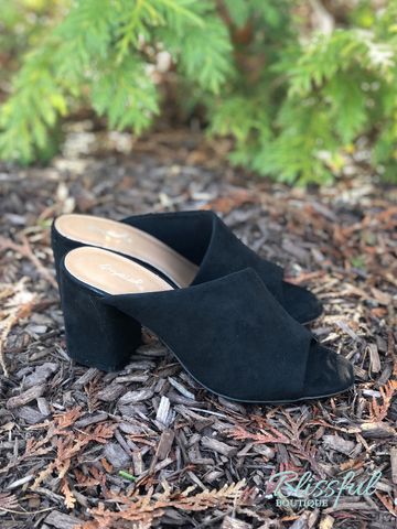 Black Slide-On Shoe w/ Heel