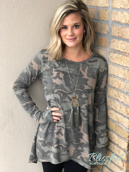 Camo Hi-Lo Tunic w/ Thumb Hole Sleeve