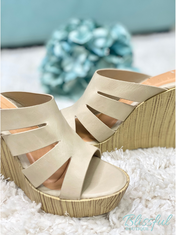 Nude Platfrom Wedge Sandal