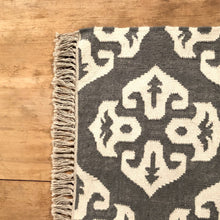 Load image into Gallery viewer, Wool Blend Rug with Fringe