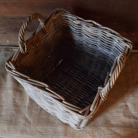 Square Normandy Apple Basket