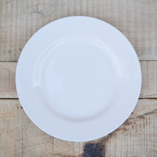 Load image into Gallery viewer, Creamware Dinner Plate
