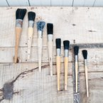 Round Vintage Paintbrush Collection