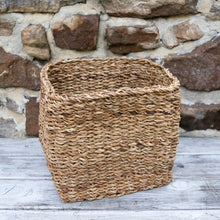 Load image into Gallery viewer, Seagrass Apple Basket