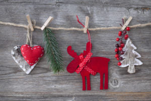 5 DIY Holiday Decor Ideas With Used Cardboard