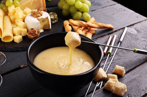 5 Fondue Recipes for a romantic Valentines Day at Home!