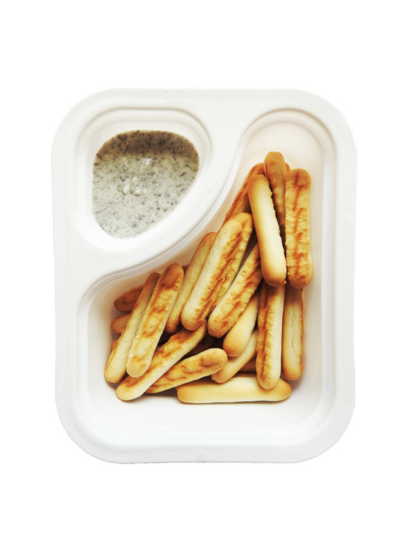 Biscuit Sticks with Cookies & Cream Dip - 30g - Snackible