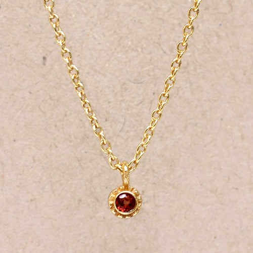 Tiny round pendant | Red